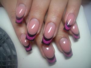 nails-1434526-m