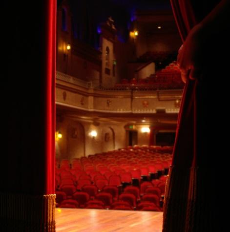 theater-5-1228132-1599x2395