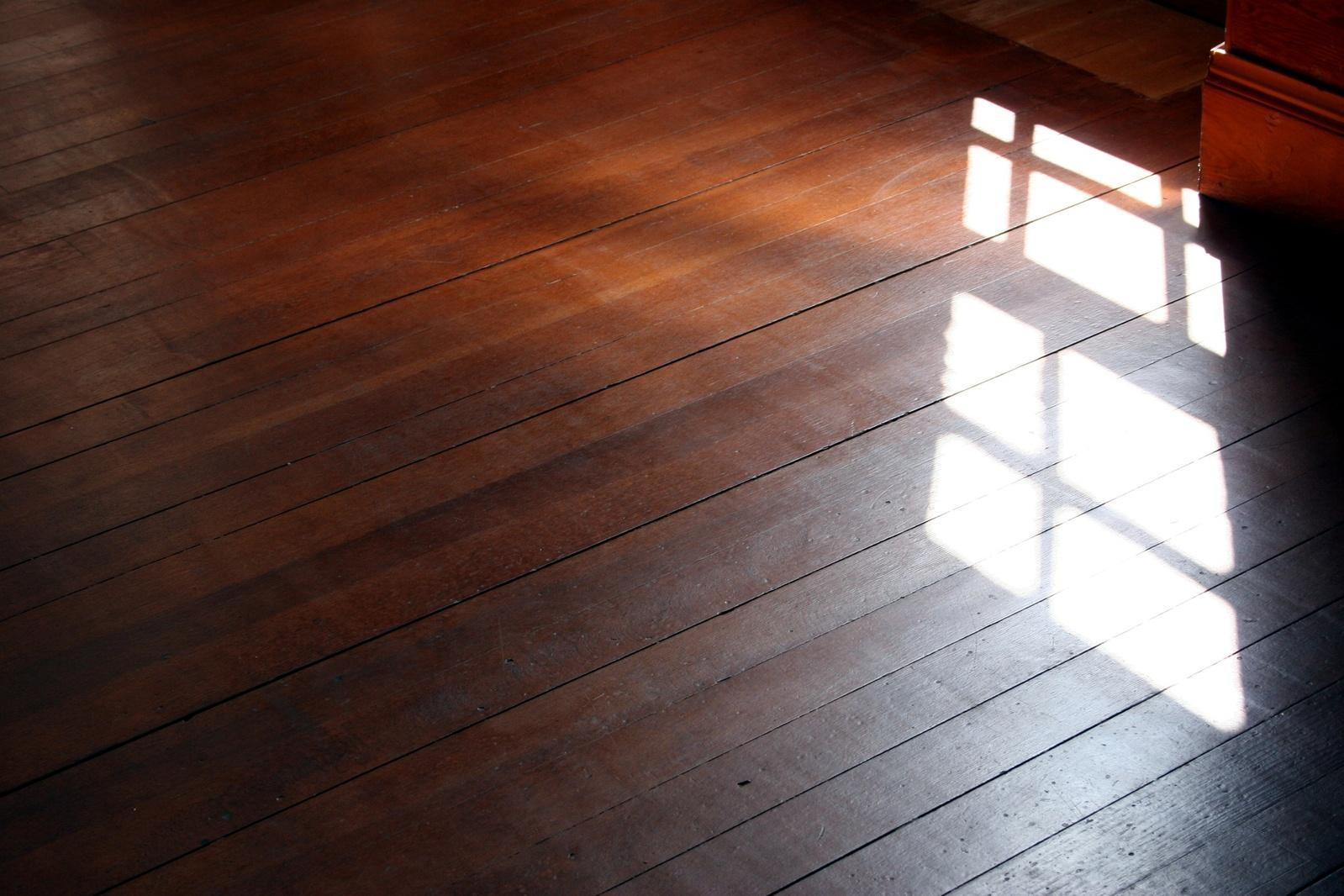 window-light-1172243-1599x1066