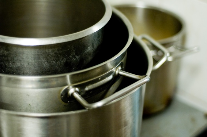 steel-pots-1328949-1598x1062